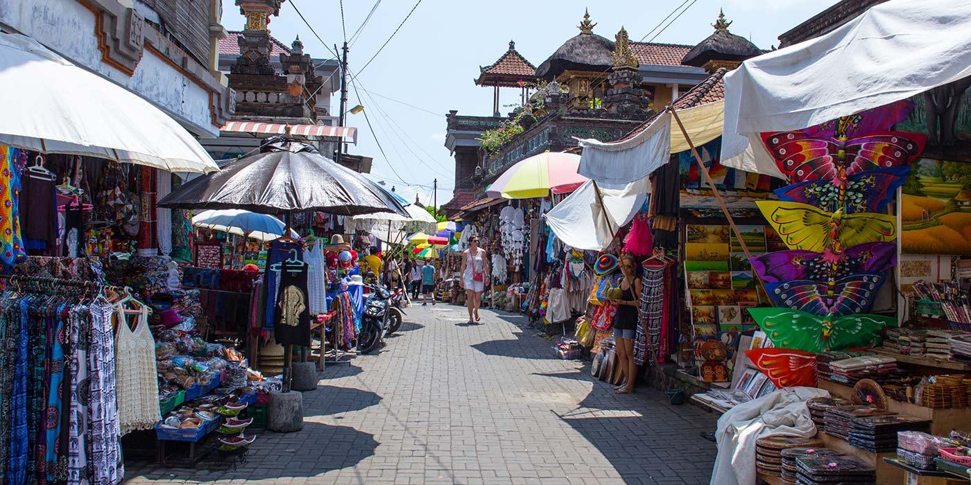 Shopping at Ubud Art Market